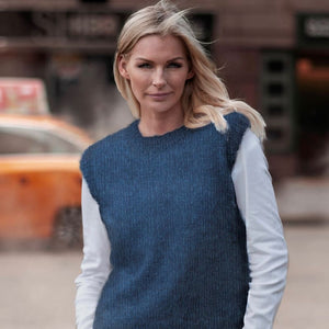 Strikk The Look: Clara-vest kongeblå Katalog