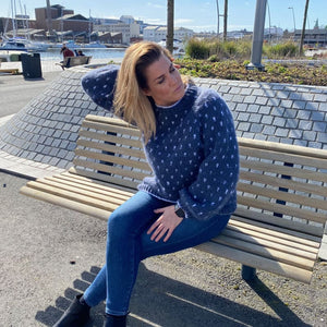Strikk The Look: Zari-genser jeansblå Tmp