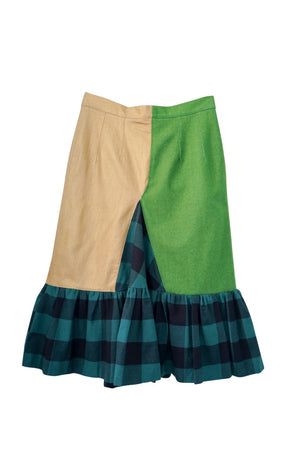 Concept 042 (Green Skirt) taxes and shipping included worldwide