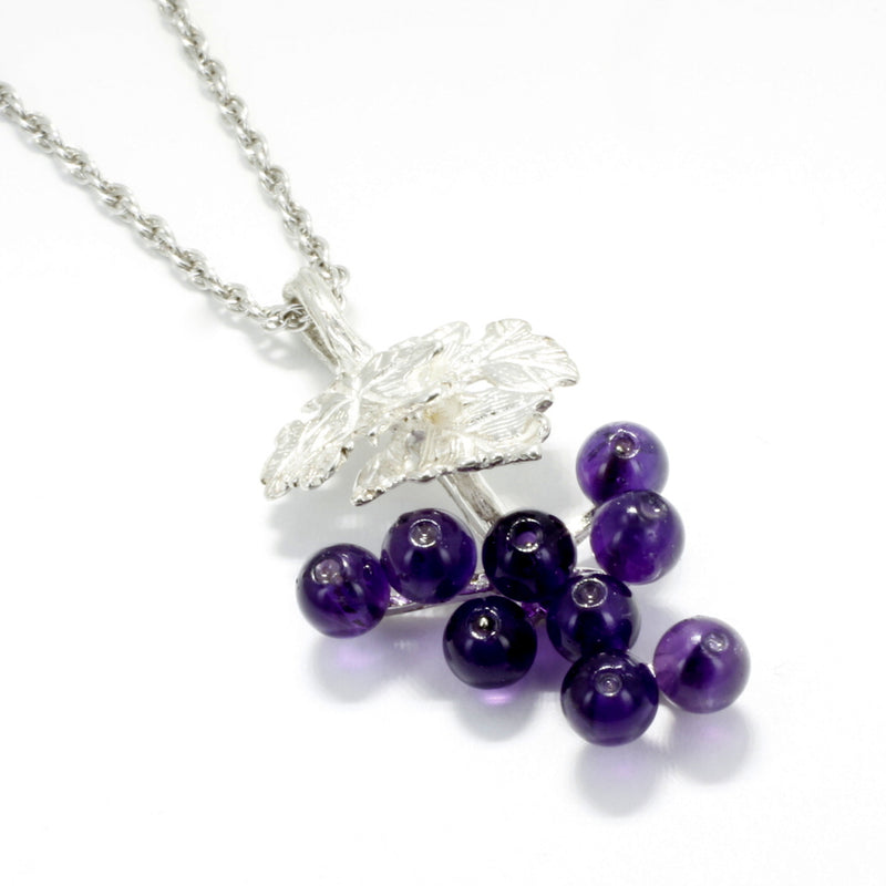 grape jewelry necklace in sterling silver with amethyst gemstones