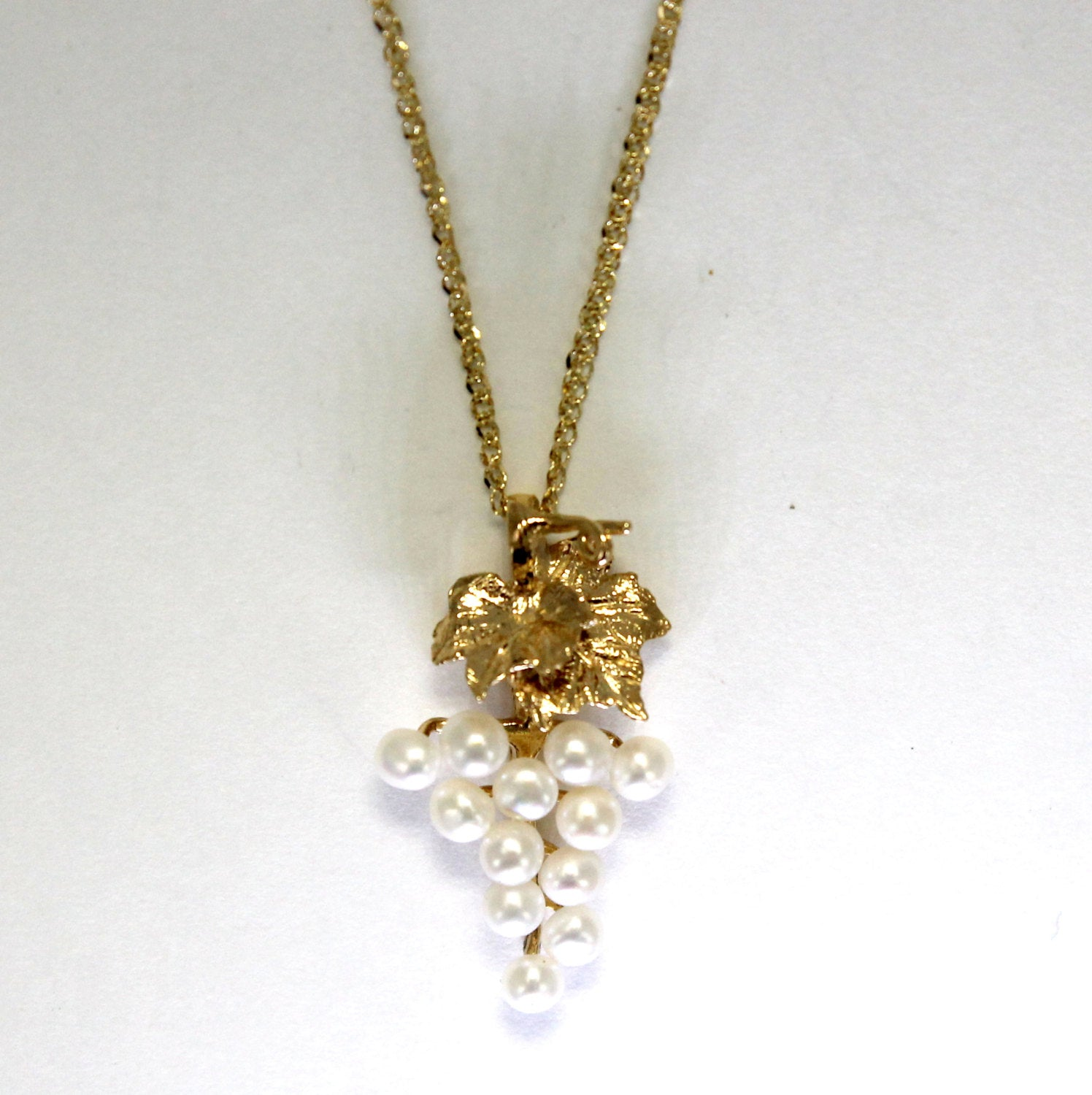 14kt. Yellow Gold White Pearl Necklace