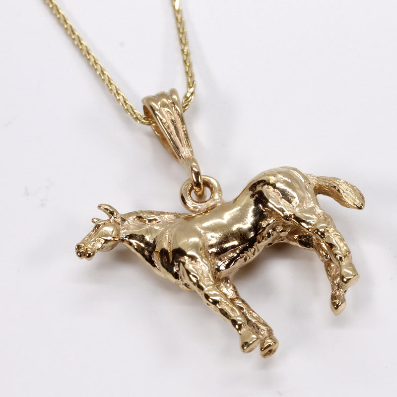 Horse Necklace 14kt solid gold three dimensional Quarter Horse