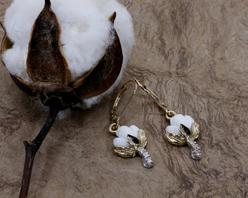 Cotton Boll Necklace And Dangle Earrings with Diamonds in Yellow Gold