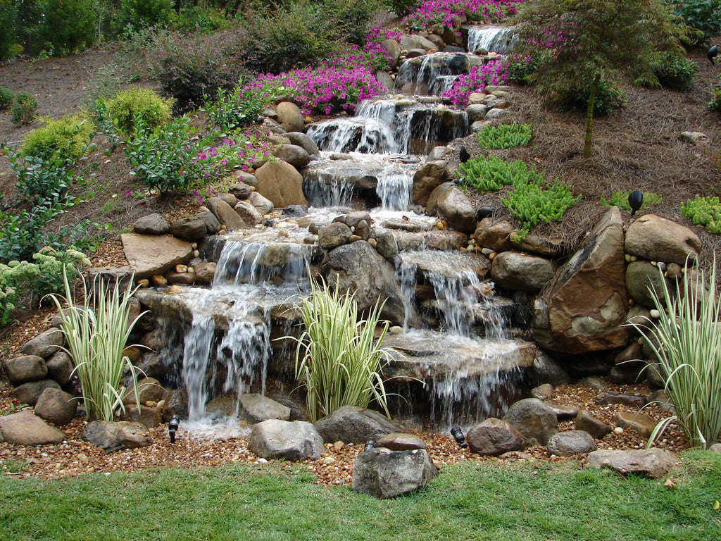 disappearing pondless waterfall