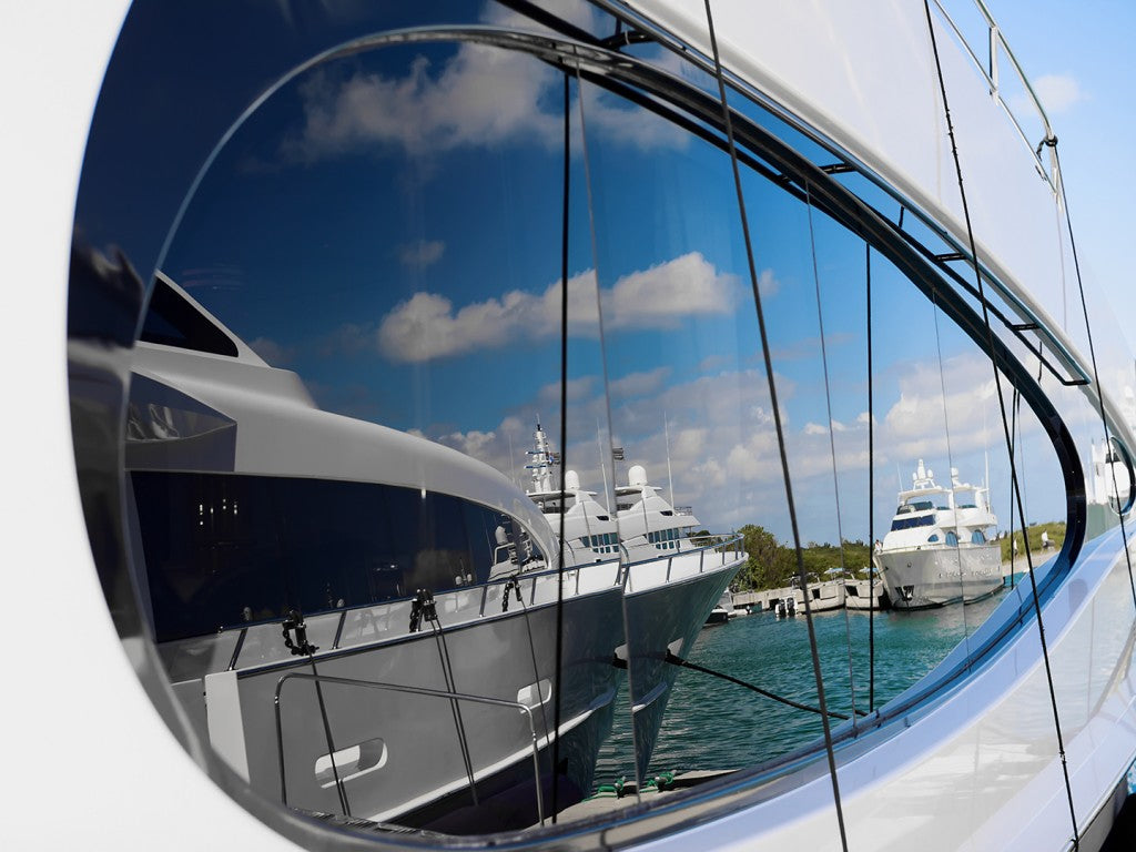 4 Helpful Tips for Using a Boat Window Cleaner