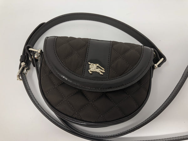 BURBERRY QUILTED CROSS BODY POUCH