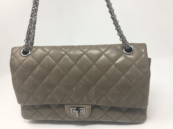 CHANEL JUMBO CHAIN DOUBLE FLAP HARDWARE