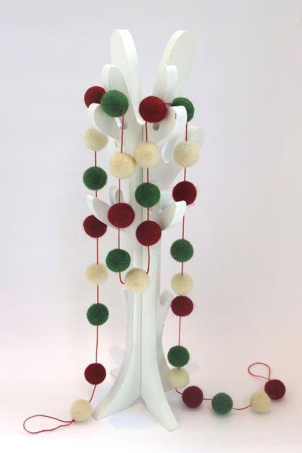 Pashom Felt Ball Garland Red, Green & Cream