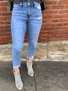 Abbie High Rise mom Jeans