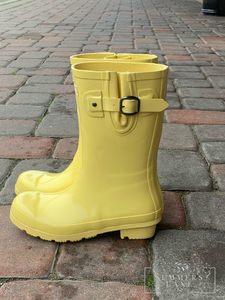 Yellow tally rain boots