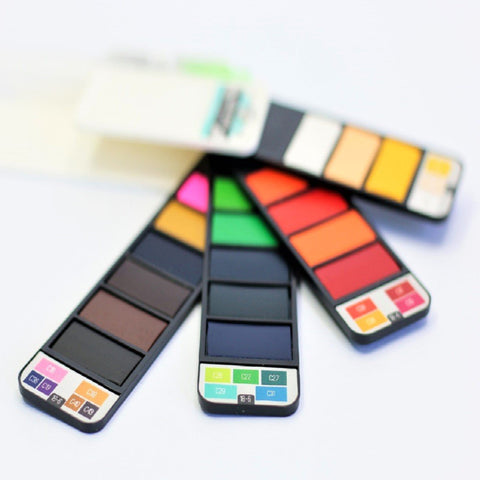 Aqua Fan Watercolor Set – 18 Colors