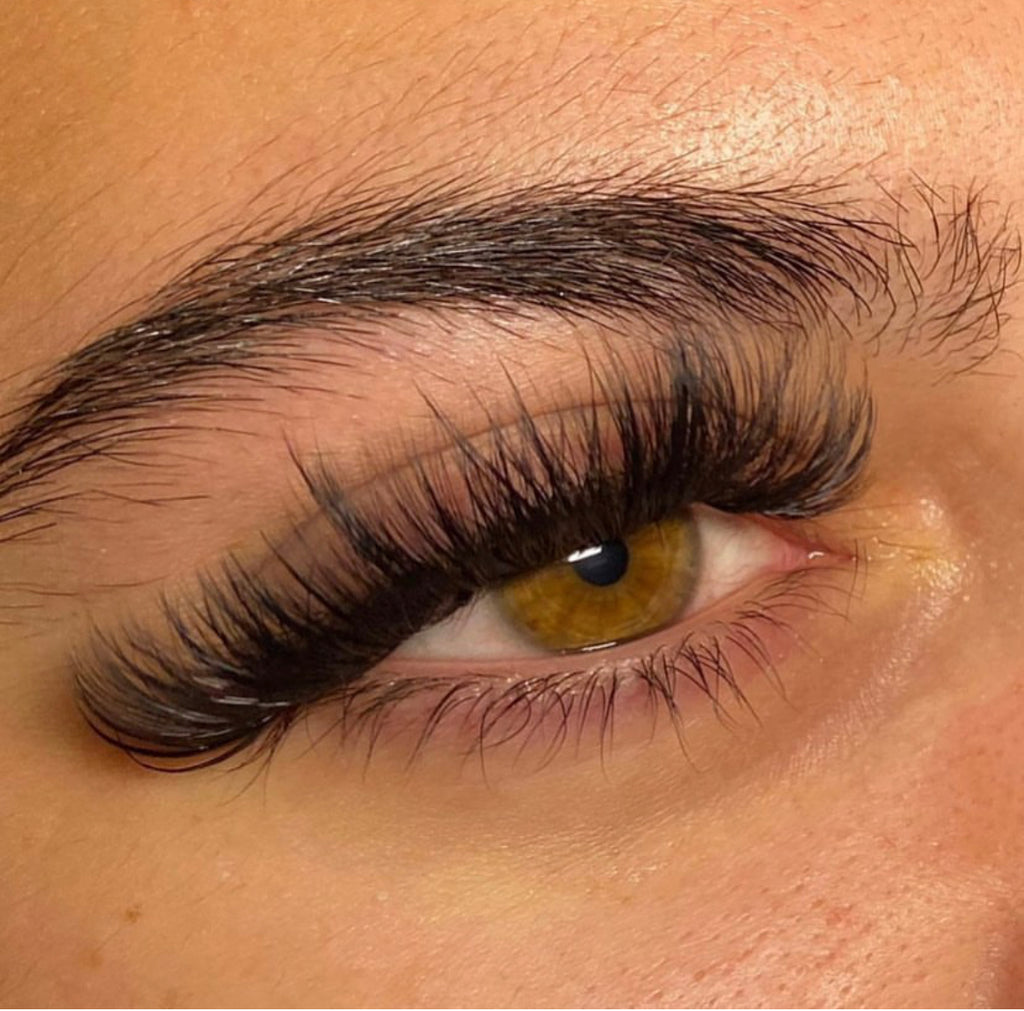 VOLUME LASHES - FULL SET ($150)