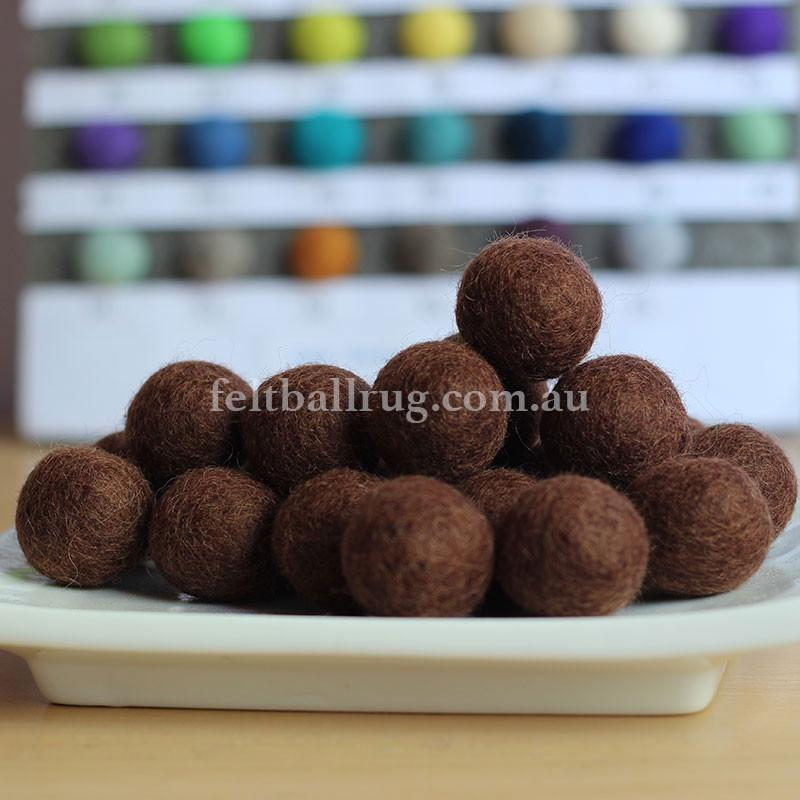 Felt Ball Auburn Brown 1 CM,  2 CM, 2.5 CM, 3 CM, 4 CM Colour 26 - Felt Ball Rug Australia - 1