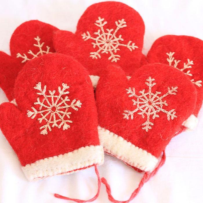 Felt Christmas Gloves