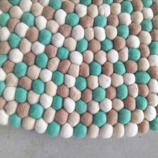 Seashell Felt Ball Rug