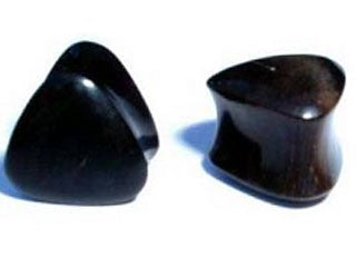 Tribalectic Horn Triangle Solid Plug (PG169)
