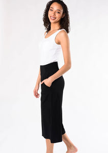 Lauren Culottes are so comfortable, stylish and cool, you'll be wearing them every day. These capri culottes pants are designed to be wide-leg with a subtle flare. Easy pull-on styling with a comfortable wide waistband and pockets. Fabrication: 95% Viscose from Bamboo 5% Spandex TERRERA $85.00 Black