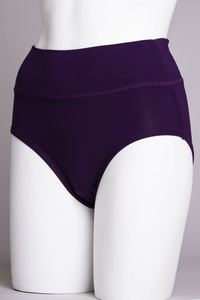 La Gaunche is shaped to be lightly horizontal, tucking snugly under the buttocks. Out of sight, out of mind.    Fabrication: BAMBOO - 95% Bamboo 5% Lycra   Fabrication - BAMBOO MODAL -50% Bamboo 42% Modal 8% Lycra  BLUE SKY $15.00