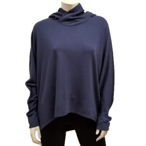 The Kelly Hoodie Throw has a drapey hood with loose dolman sleeves and relaxed fit. Make this piece your new favorite throw for any season! (One Size)  Proudly Made In Canada  Fabrication: 66% Bamboo, 28% Cotton, 6% Spandex   GILMOUR    Navy Blue $115.00