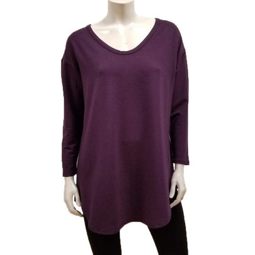The Tori Tunic has a soft banded V-neckline, 3/4 sleeves, slight A-line shape, and a softly rounded hemline make this the best tunic for your weekends! Or, any day-ends!   Proudly Made in Canada  Fabrication: 66% Bamboo, 28% Cotton, 6% Spandex  GILMOUR   $95.00 colour plum purple