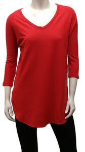 The Tori Tunic has a soft banded V-neckline, 3/4 sleeves, slight A-line shape, and a softly rounded hemline make this the best tunic for your weekends! Or, any day-ends!   Proudly Made in Canada  Fabrication: 66% Bamboo, 28% Cotton, 6% Spandex  GILMOUR $95.00 colour red