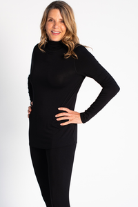 The Lynda turtle neck is soon to be your favorite, both a fashion statement and a wardrobe hero all on its own. The fitted body and turn down turtleneck make it a chic piece to wear alone and an excellent layer under your bulkiest knits. LNBF 65.00 colour black