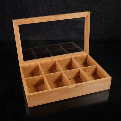 Made with bamboo this Tea Box has 8 different sections for separating your teas. VERDICI $40.00