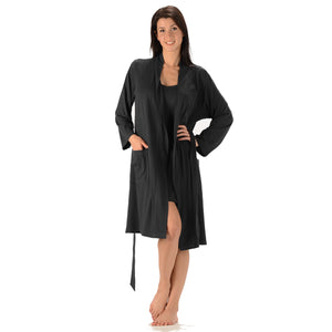 The Noreen Bath Robe Soft, breathable, moisture wicking absorbent and antibacterial. Great to pair with an Emily Nightgown, it has an inside tie, belt loops with tie on the outside and patch pockets. Proudly Made in Canada Fabrication: 70% Rayon from Bamboo 30% Organic Cotton Jersey ECO-ESSENTIALS Colour Black