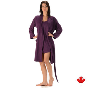 The Noreen Bath Robe Soft, breathable, moisture wicking absorbent and antibacterial. Great to pair with an Emily Nightgown, it has an inside tie, belt loops with tie on the outside and patch pockets. Proudly Made in Canada Fabrication: 70% Rayon from Bamboo 30% Organic Cotton Jersey ECO-ESSENTIALS Colour Plum Purple $70.00