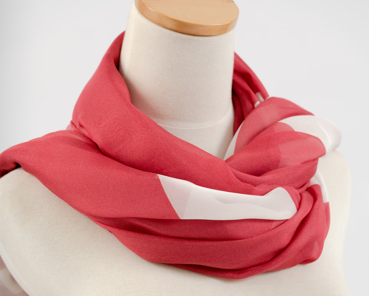 files/095Wrapped_scarfs_Close_Crop_1.JPG