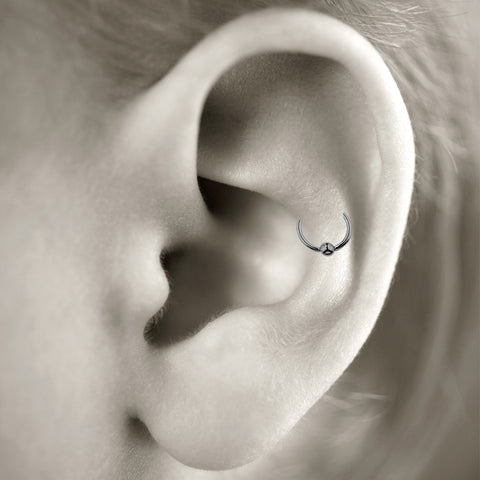 Snug cartilage piercing