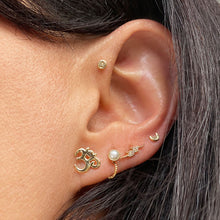 Ear Model Diamond Pave Lightning Bolt 14k Gold Flat Back Stud