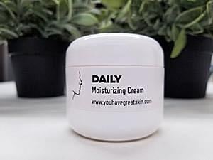 daily moisturizing cream vitamin E elastin tightening firming collagen