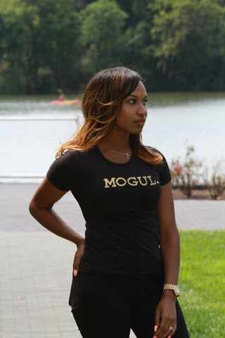 MOGUL. (LADIES CREWNECK)