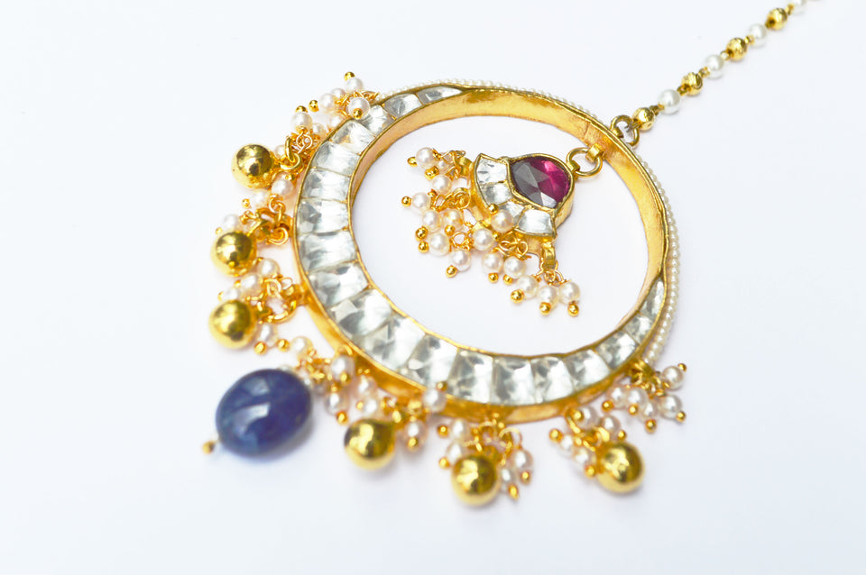 Kundan Tikka With a Blue Bead
