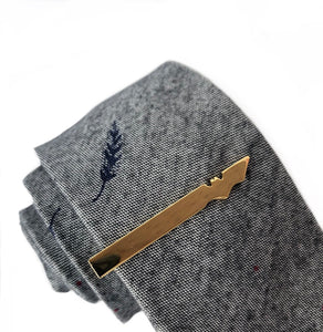 Wayne Bat Tie Bar in Gold