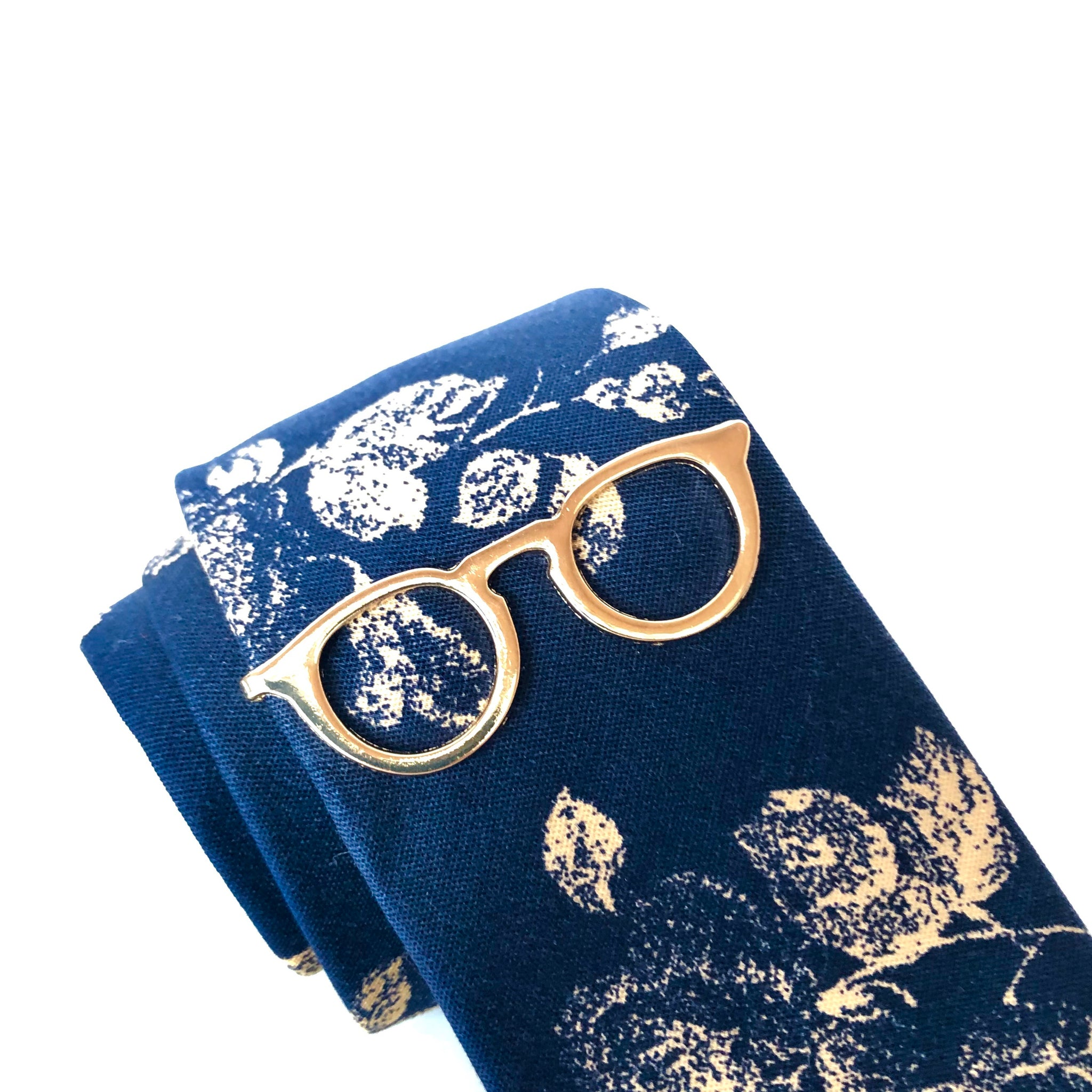 Christopher Spectacle Tie Clip in Gold