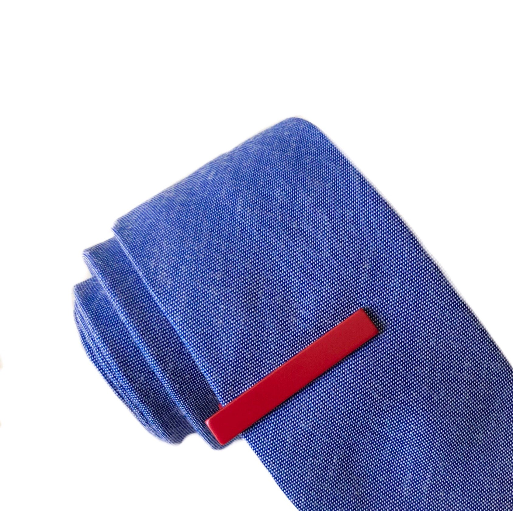 Kent Tie Bar in Red