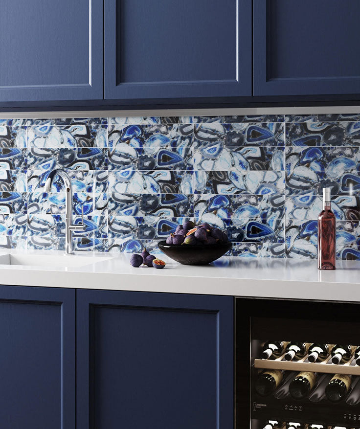 When it comes to glass tile kitchen backsplash design, this Blue Gemstone Agate Glass Tile backsplash is a beautiful choice to show off your bright and colorful personality.