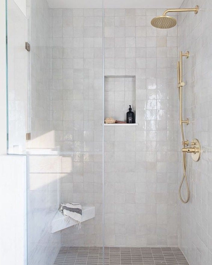 Creative Ceramic Tile Shower Designs To Dress Up Your Bathroom