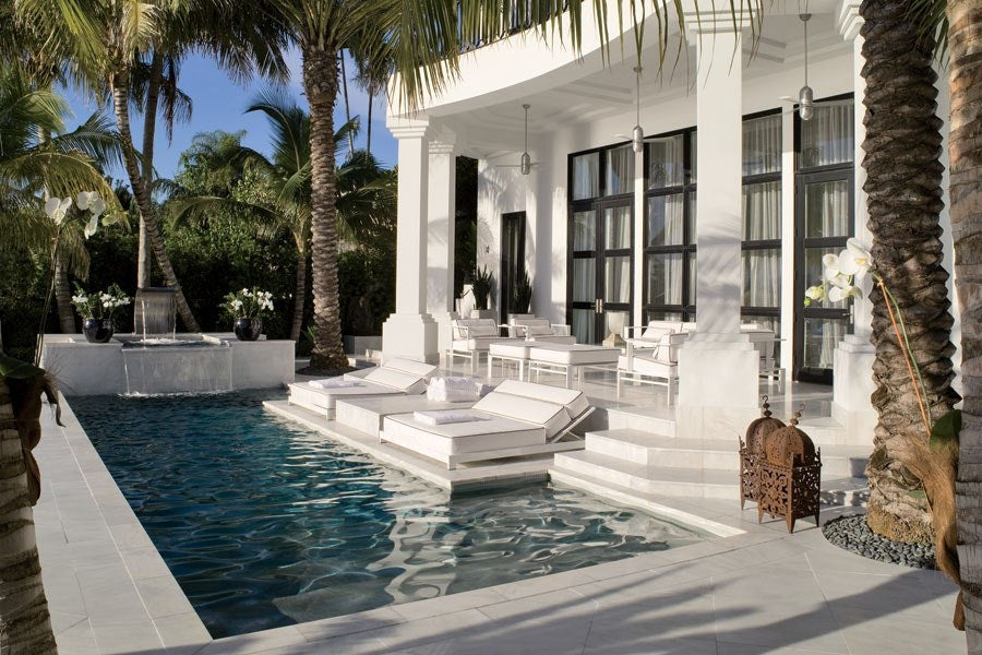Give your Home Miami Vibes with this Stunning Modern Pool Tile Design