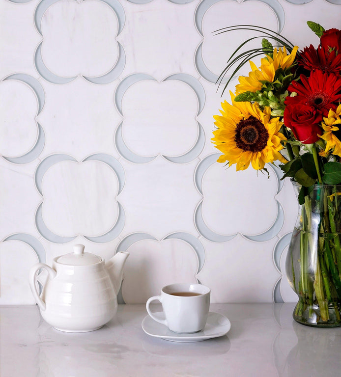 Dolomiti bianco camelia & Glass Mosaic Tile in the Kitchen