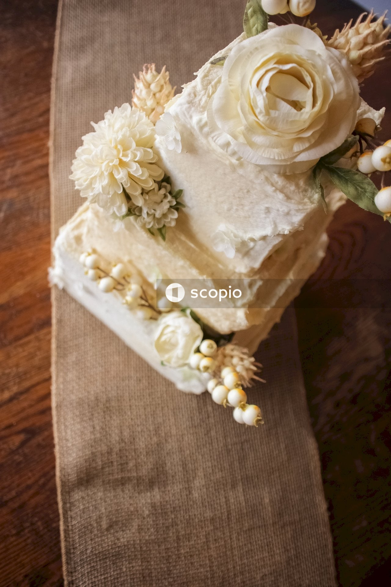 White and brown floral cake