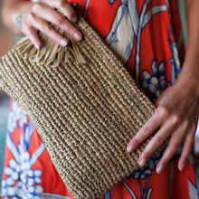 The Straw Woven Clutch Sand - MOOS STRAW BAGS