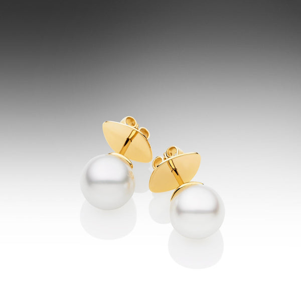 Round Pearl Studs