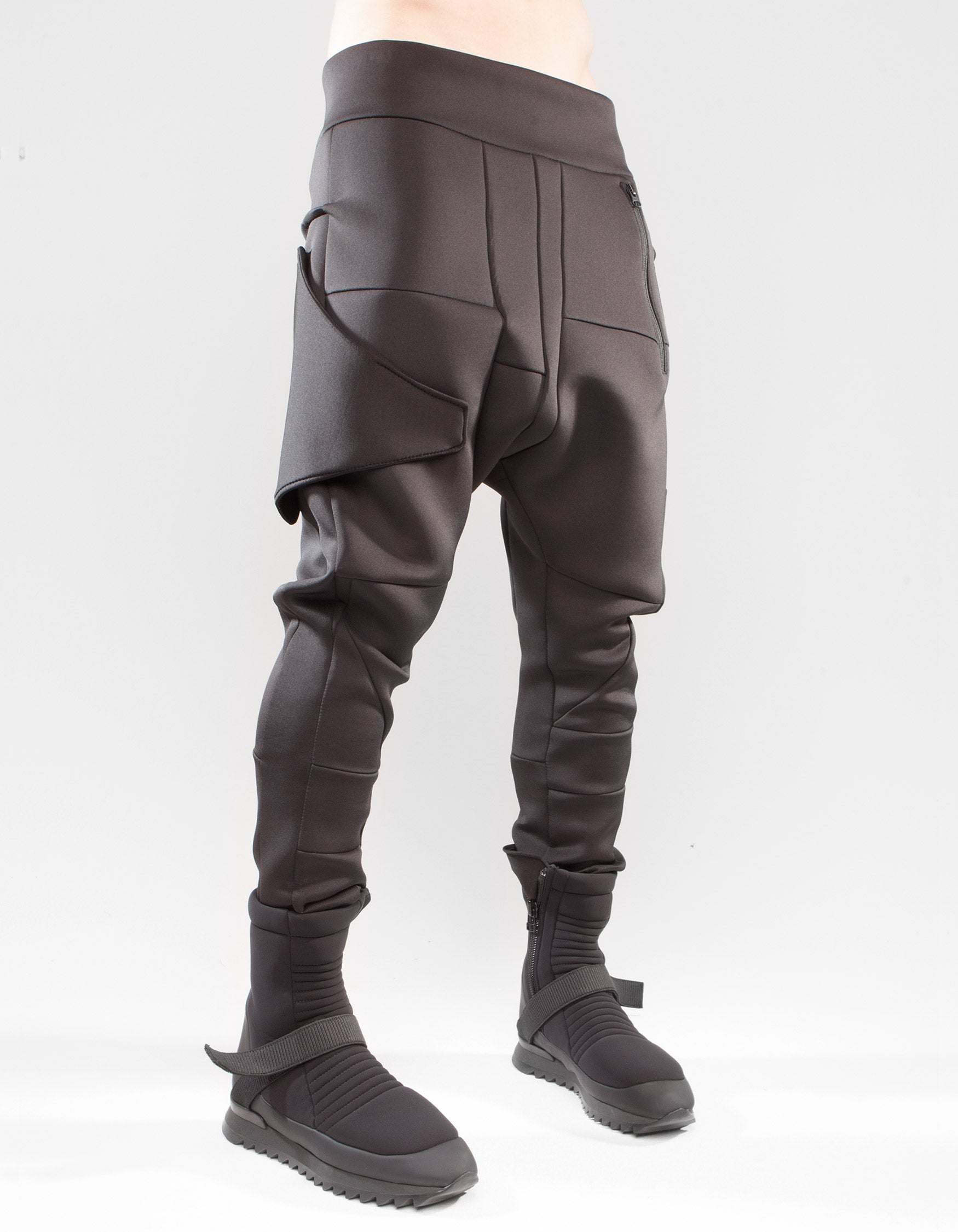 NEO TROUSERS FORM