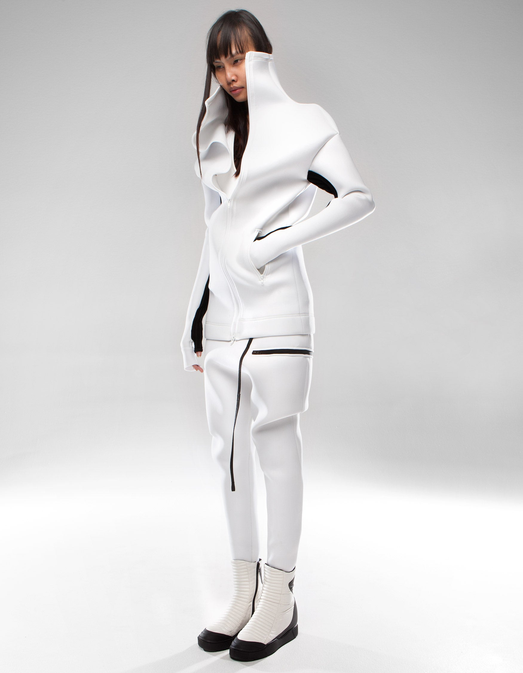 NEO JACKET WHITE HOLE W