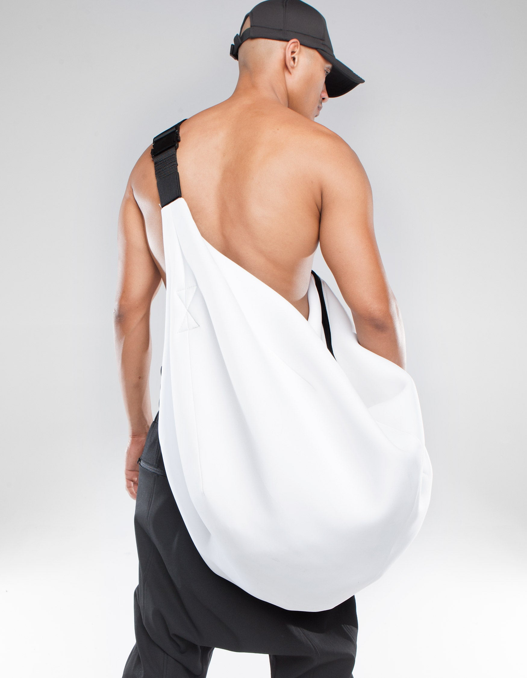 NEO BAG WHITE HOLE