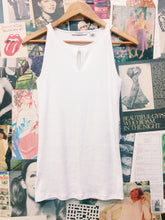 Country Road Basics White Ribbed Tank Top w/ Keyhole Feature