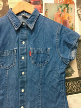 Vintage 1990s Delles Blue Denim Button-up Collared Shirt